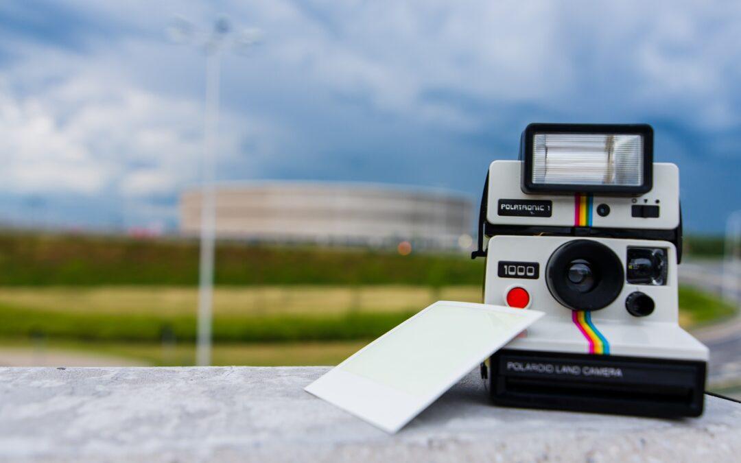 Tilbage til idyllen: Forevig familieminderne med et polaroidkamera