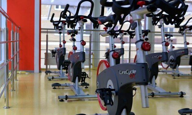 Bliv klar til sæsonen med en indendørs cykel