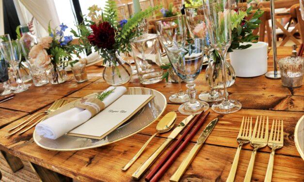 Style dit plankebord op med ben af elmetræ